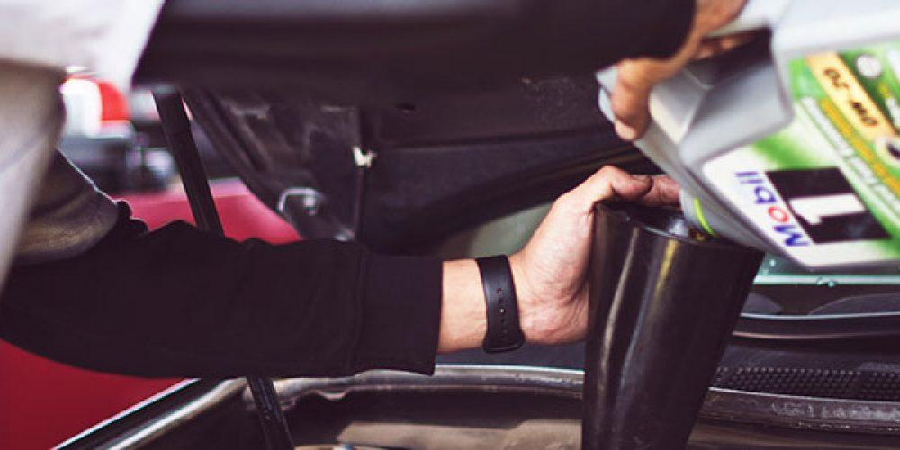 Avant les départs en vacances, n'oubliez pas de faire la vidange de votre voiture !