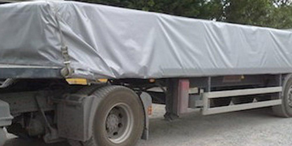 Camions de transport : commander des bâches sur mesure en ligne